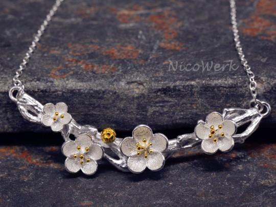Silberkette mit Anhänger Blumen