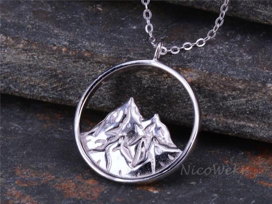 Silberkette mit Anhänger Berg