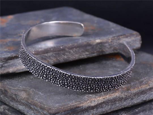 Silber Armreif Perlfisch Haut