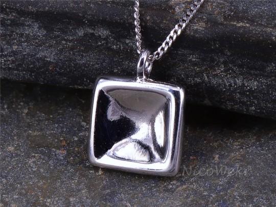 Silberkette mit Anhänger Quadrat