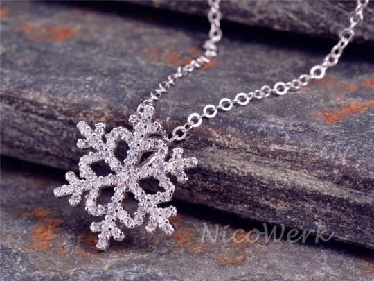 Silberkette mit Anhänger Schneeflocke