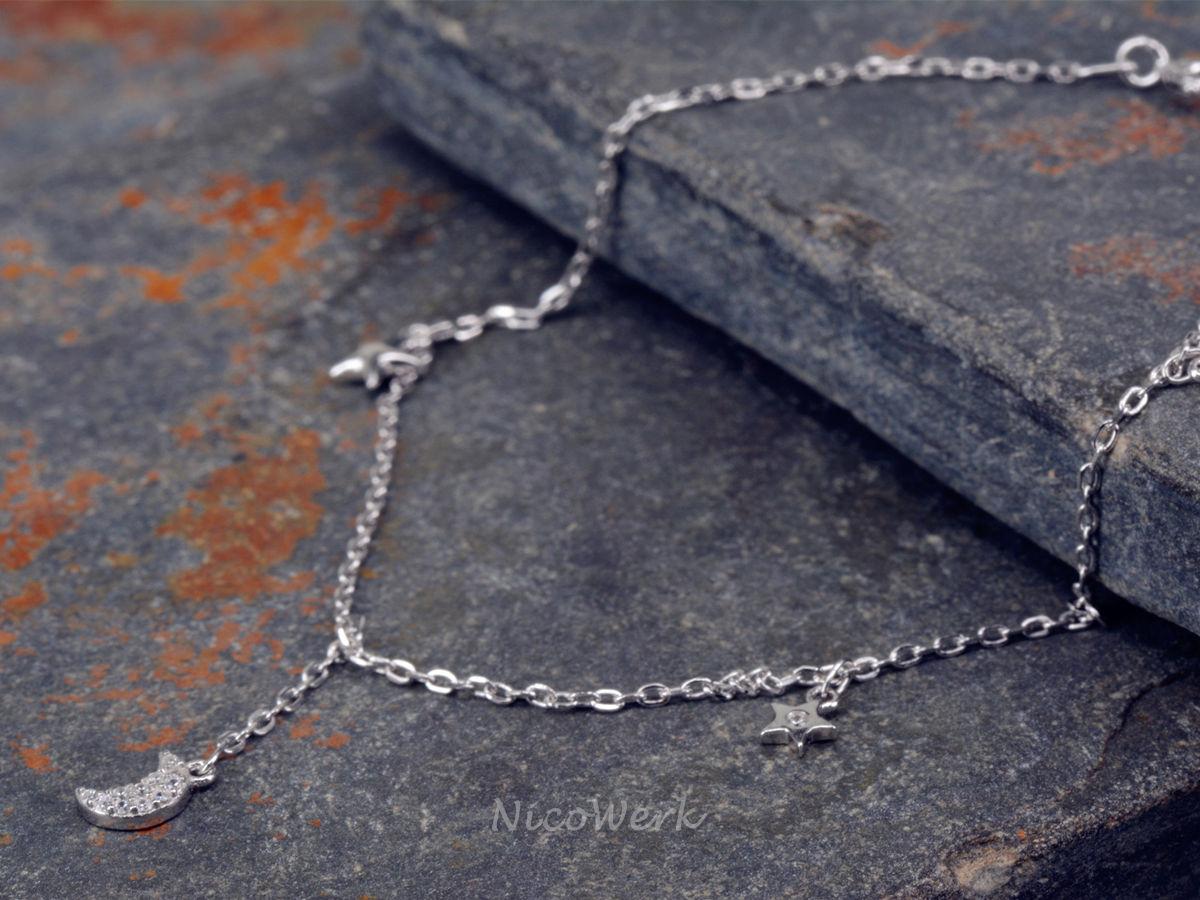 Wunderschöne Fußkettchen aus Silber für den Sommer. Entdecken Sie unsere schöne Auswahl an Zehenringe & Fußketten für Damen und Herren!